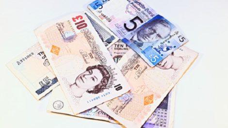 Quanto valgono 10 sterline in euro
